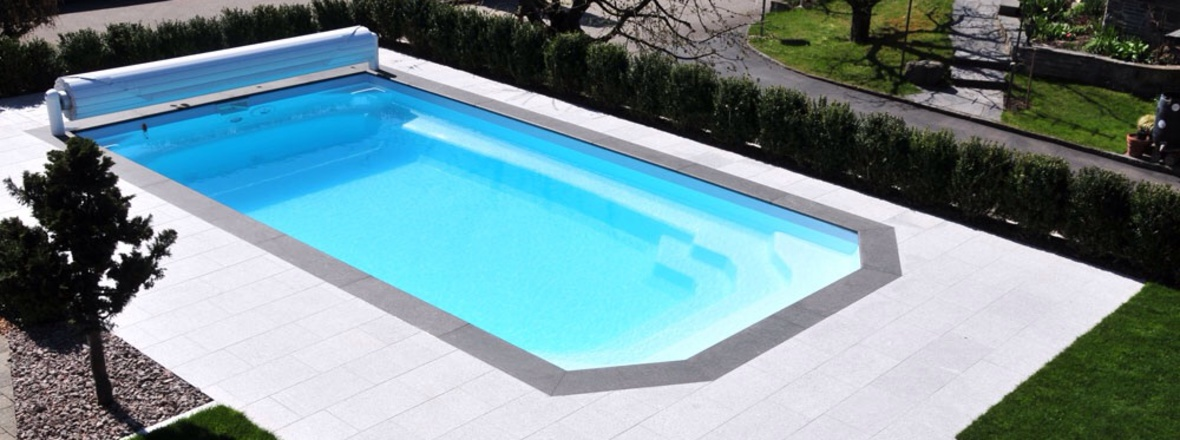 Bienvenue chez aqua conception for Piscine coque polyester avantages